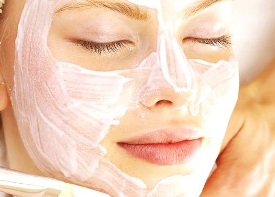 Из чего состоят омолаживающие маски для лица