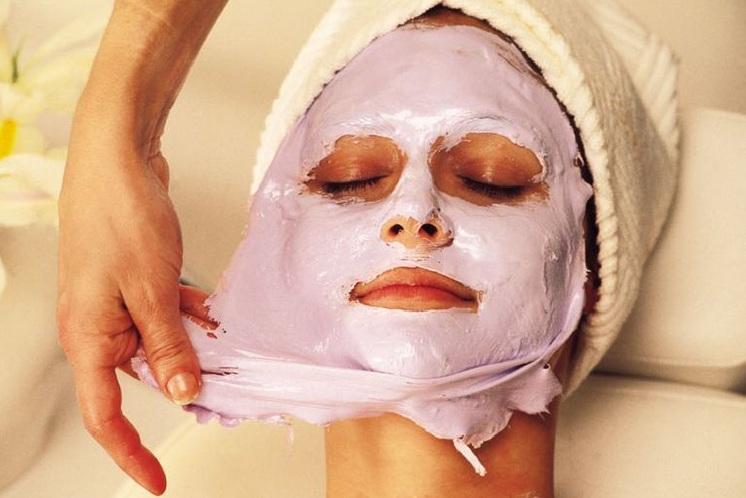 Чем полезны ночные маски для лица