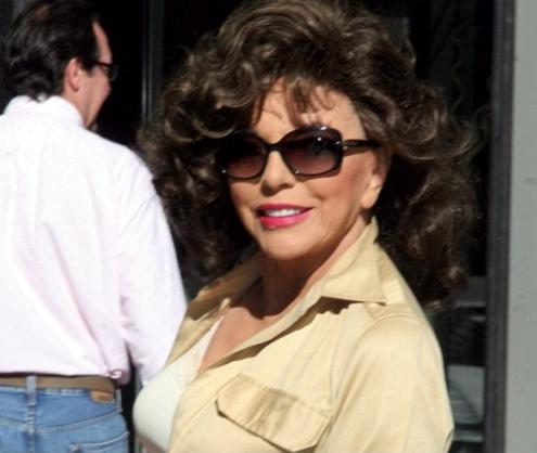 Джоан Коллинз и в 82 года выглядит потрясающе