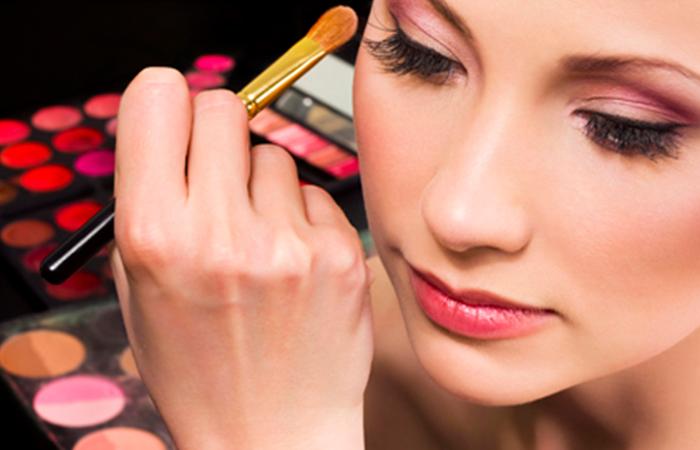 Грамотный подход к выбору макияжа