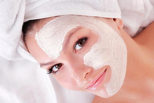 Полезные свойства белой глины и маски из нее