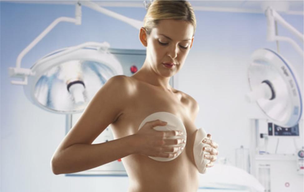 Пластические хирурги призывают запретить рекламу имплантатов