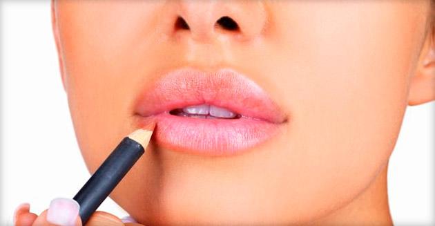 Как правильно подчеркнуть губы контурным карандашом