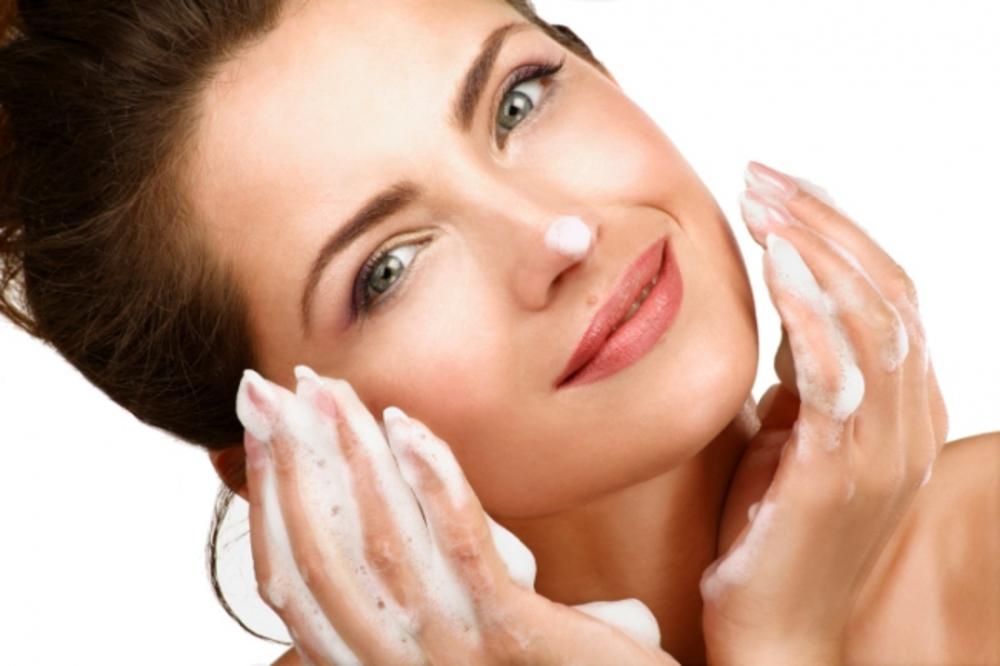 Эксперты рекомендуют природные очистители для кожи