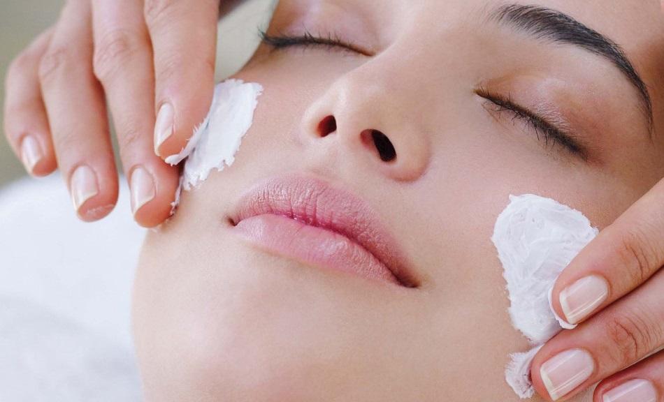 Ровный тон: маска для отбеливания кожи лица