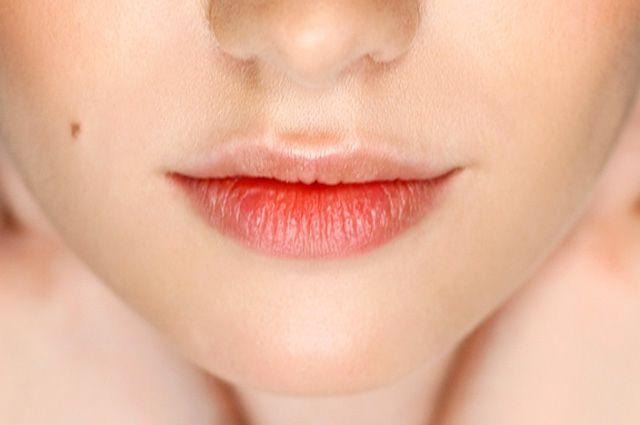 Как защитить губы от холода и ветра?