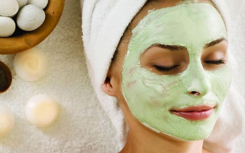 Четыре увлажняющих маски в уходе за сухой кожей лица
