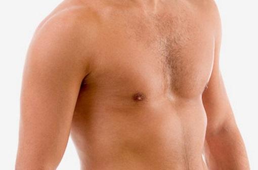 Британские мужчины увлеклись уменьшением груди