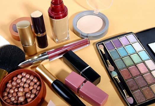 Косметические продукты — источник акне, говорят исследователи