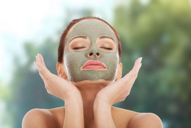Как приготовить «зелёную» маску от морщин?