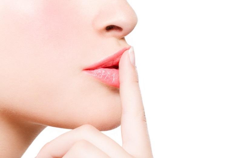 10 лучших способов визуально увеличить губы