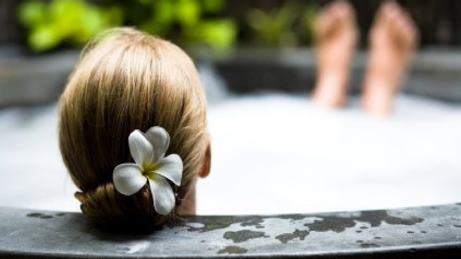 Цветочная косметика для ванны
