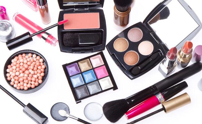 Почему возникает аллергия на косметику и как с ней бороться?