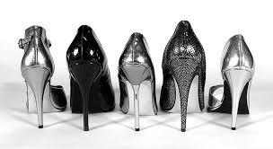 Положительные и отрицательные стороны шпильки в обуви