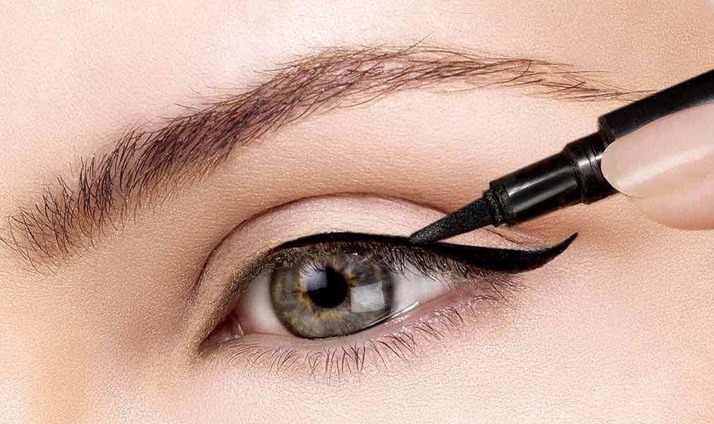Подводка для глаз может вызвать проблемы со зрением