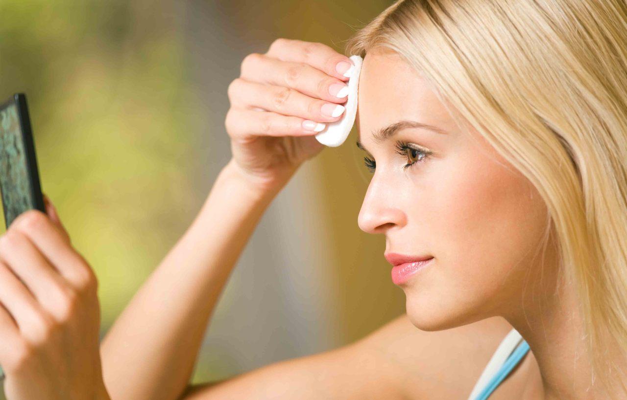 Средства для жирной кожи: 6 полезных масок