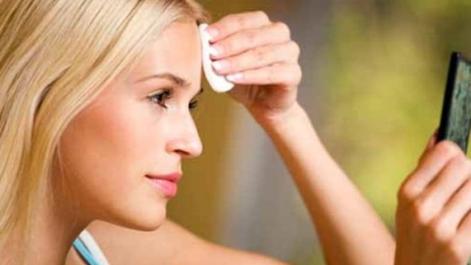 Как ухаживать за кожей лица летом, чтобы избежать проблем?