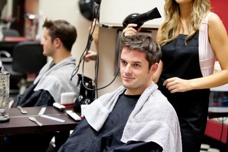 Зачем нужен мужской парикмахер-стилист