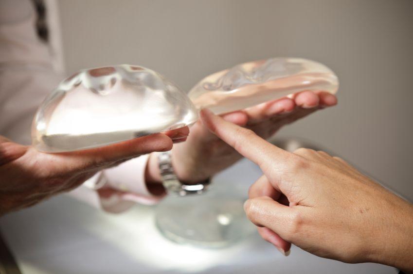 Имплантаты груди: за и против