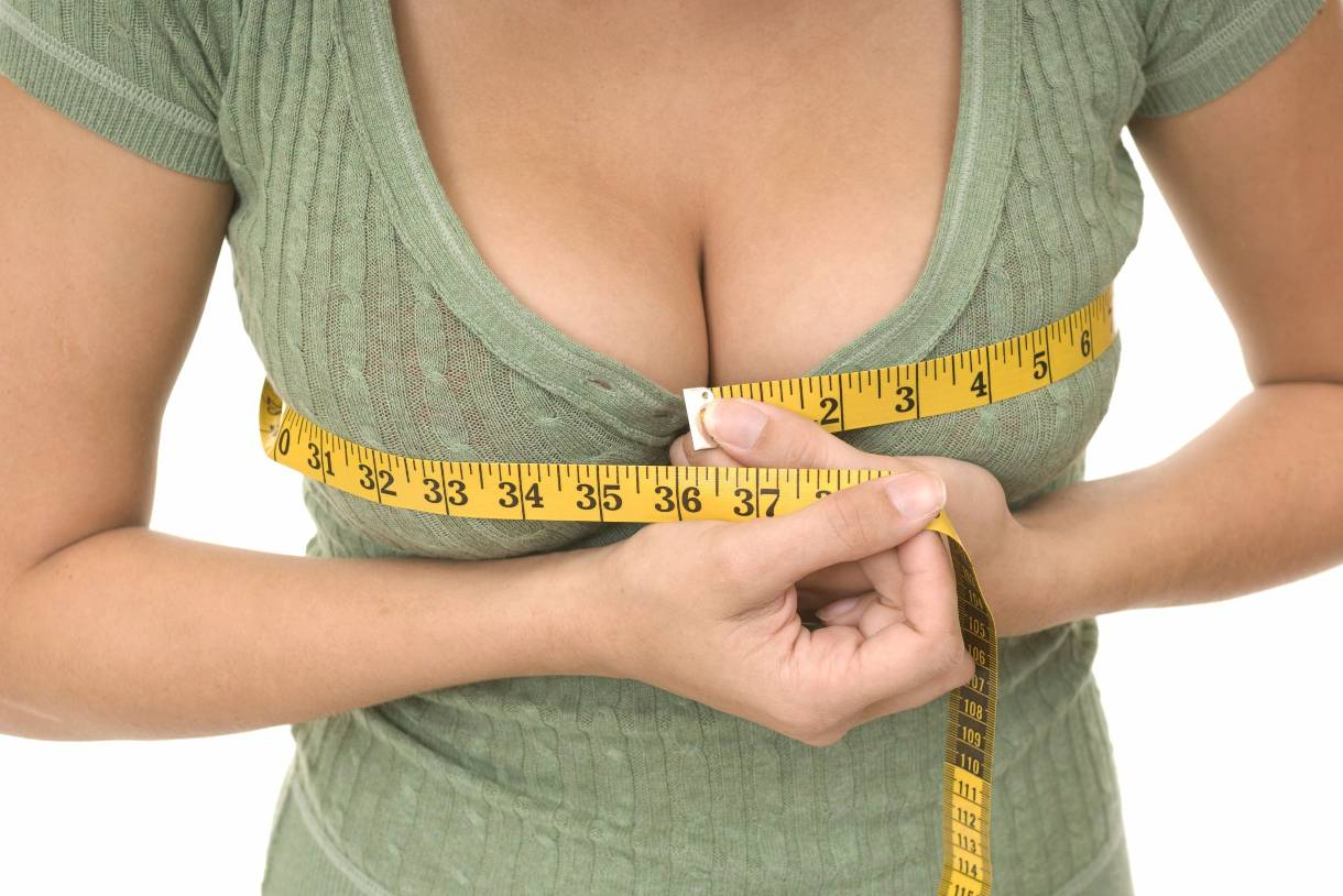 Опасно ли увеличение груди?