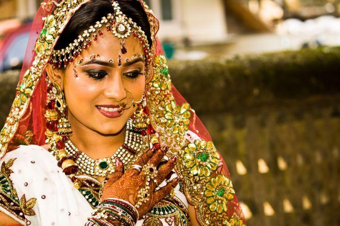 Мода на осветление кожи в Индии беспокоит специалистов