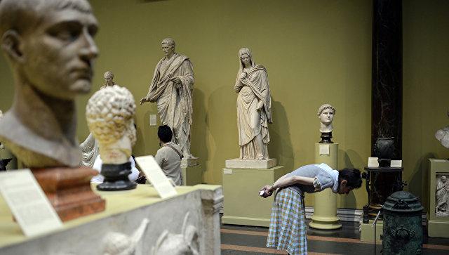 В Музее Пушкина стартовал спецкурс для пластических хирургов