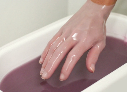 Как правильно принимать парафиновую ванну