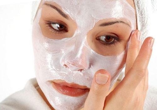 Отбеливающая маска для лица в домашних условиях – приготовить может каждый