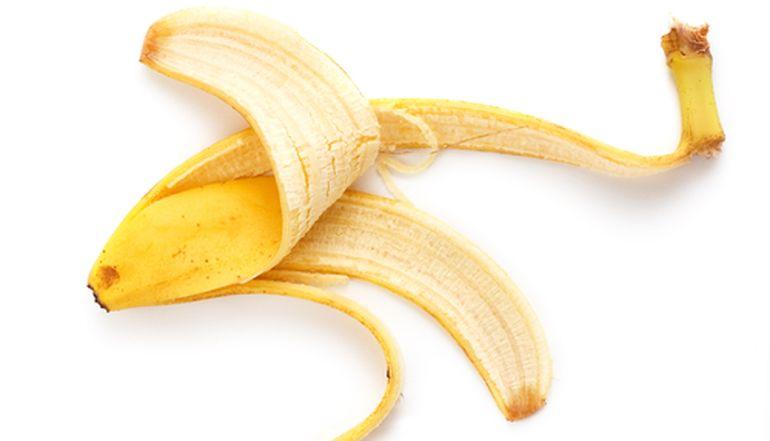 Банановая кожура поможет в борьбе с морщинами и не только