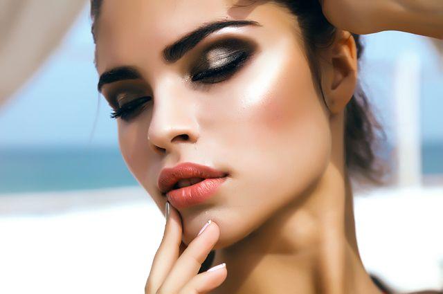Как увеличить губы с помощью косметики? Советы визажиста