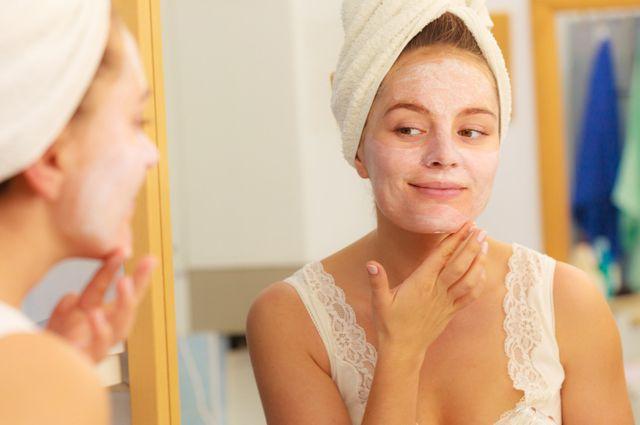 Как сделать маску для лица из молочных продуктов?