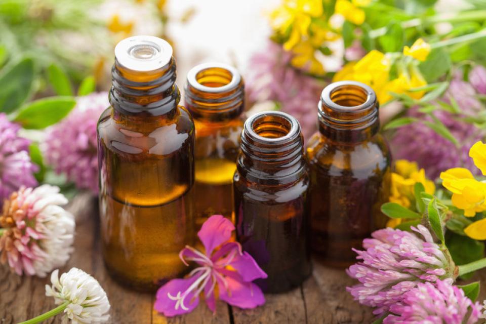 Эфирные масла спасут от старения кожи: топ 3