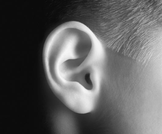 Как избавиться от торчащих ушей?