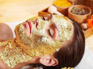 Золотая маска для лица против морщин