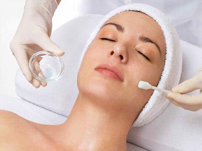 Эксперты: кислотные пилинги эффективнее борются со старением и акне