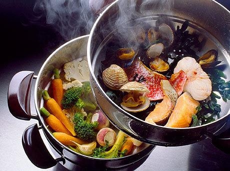 Приготовление здоровой пищи с пароваркой.