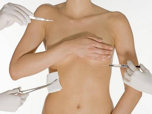 В Америке увеличилось количество женщин, удаляющих грудь