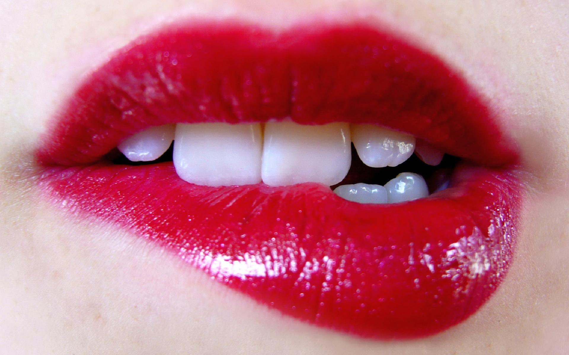 Удаление биополимерного геля из губ