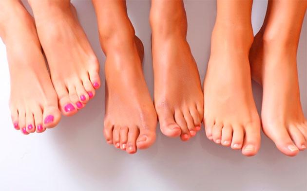 Как избавиться от неприятного запаха ног? Причины появления и методы устранения