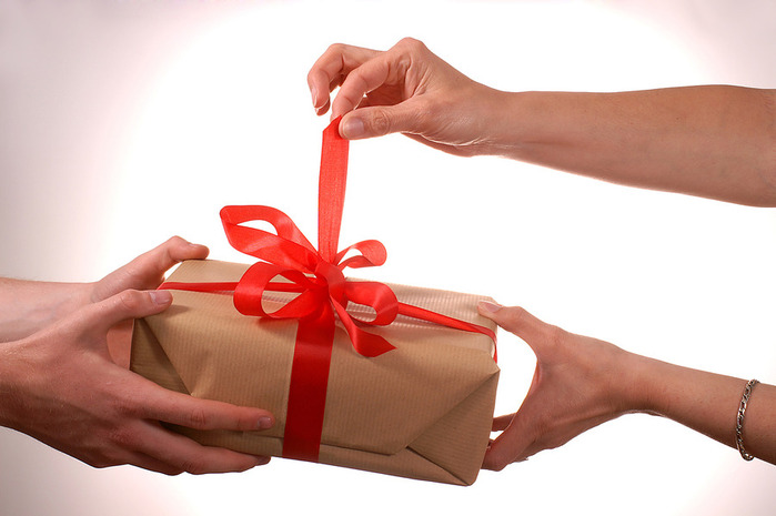 Подарки близким людям