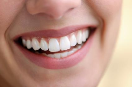 Имплантация и отбеливание зубов