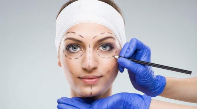 В Сеть слили личные фото пациентов пластических хирургов