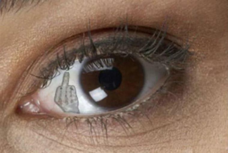 Имплантация ювелирных украшений в глаза может прийти на смену пирсингу