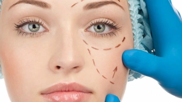 Пластическая хирургия помогает исправить дефекты во внешности
