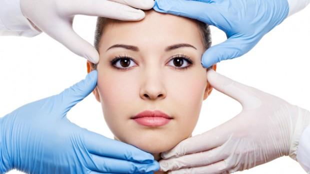 Услуги пластических хирургов пользуются большой популярностью