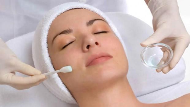 Пилинг — эффективная процедура, омолаживающая кожу