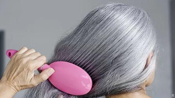 Почему волосы седеют?