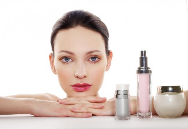 Косметологи не советуют пользоваться увлажняющими кремами