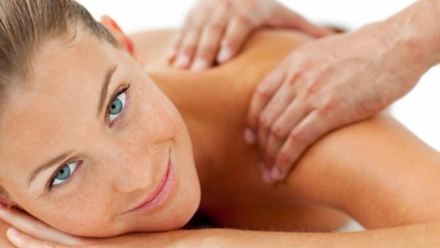 Массаж улучшает кровообращение и облегчает боли в мышцах
