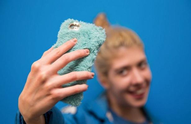 Искаженные на селфи носы толкают людей на ринопластику